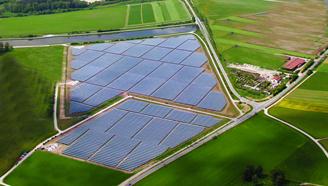 1 Πάρκο μεγαλο 330x220 Τριπλασιασμό της παραγωγής ηλιακής ενέργειας ως το 2017 θέλει η Κίνα