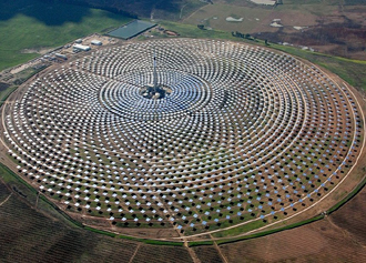 19 gemasolar 330x227 Ηλιακή θερμική μονάδα παραγωγής ενέργειας Gemasolar στην Ανδαλουσία της Ισπανίας