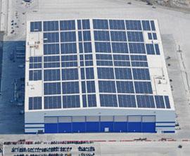 1002 unisolar boeing Ευέλικτα πάνελ UNI SOLAR για την οροφή του εργοστασίου συναρμολόγησης της Boeing