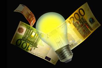 3 ενεργεια οικονομια fot 330x220 Καταπέλτης η έκτακτη εισφορά για τους μικρομεσαίους επενδυτές