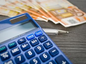 8 calc fot 330x248 Υπερφορολόγηση και έλλειψη ρευστότητας «πνίγουν» τις ελληνικές επιχειρήσεις