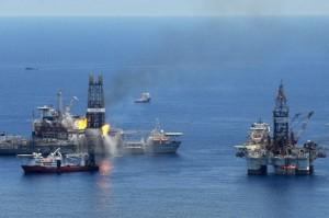 BP mexico 300x199 Για την οικολογική καταστροφή στον Κόλπο του Μεξικού το 2010, η BP θα καταβάλει το μεγαλύτερο πρόστιμο στην ιστορία των ΗΠΑ