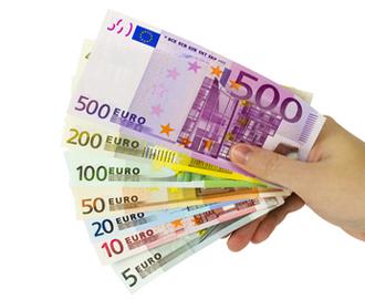 6 euro fot sunblog 330x248 Η Γερμανία μέσω της KFW χρηματοδοτεί με 100 εκατ. ευρώ ελληνικό αναπτυξιακό ταμείο