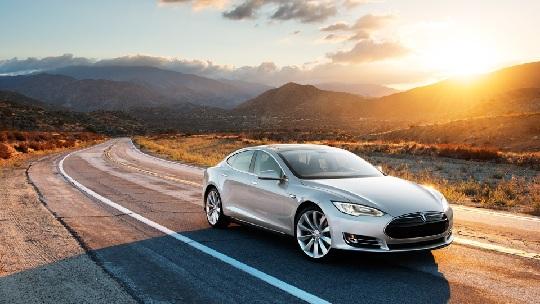 tesla 1 Το ηλεκτροκίνητο Tesla S πρώτο σε πωλήσεις στη Νορβηγία
