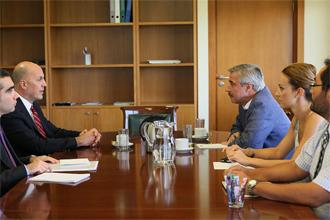 maniatis Συνάντηση του Υπουργού ΠΕΚΑ, Γιάννη Μανιάτη, με τον Πρέσβη της Τουρκίας στην Ελλάδα