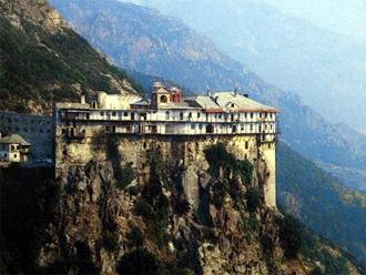 monastiria Μοναχοί και ιερείς συμμετείχαν στο μεγάλο φαγοπότι μαύρου χρήματος και παράνομων επιδοτήσεων με πλαστά παραστατικά