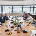 Συνάντηση εργασίας της πολιτικής ηγεσίας του ΥΠΕΚΑ με την Ολομέλεια της ΡΑΕ