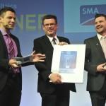 Η SMA βραβεύτηκε με το Intersolar AWARD 2014 για το SMA Fuel Save Controller